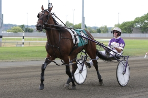 Dealt A Winner tries for pacing second jewel in Messenger