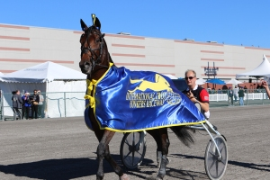 Yonkers International champ parades to the winner's circle