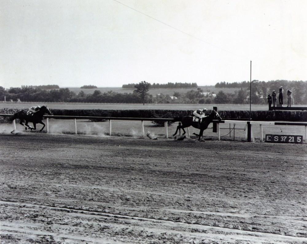 SEABISCUT AT YONKERS RACEWAY 1937