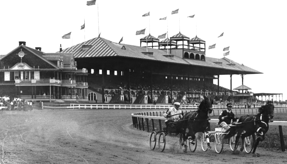 EMPIRE CITY TROTTING CLUB 1904 CLUBHOUSE TURN.jpg